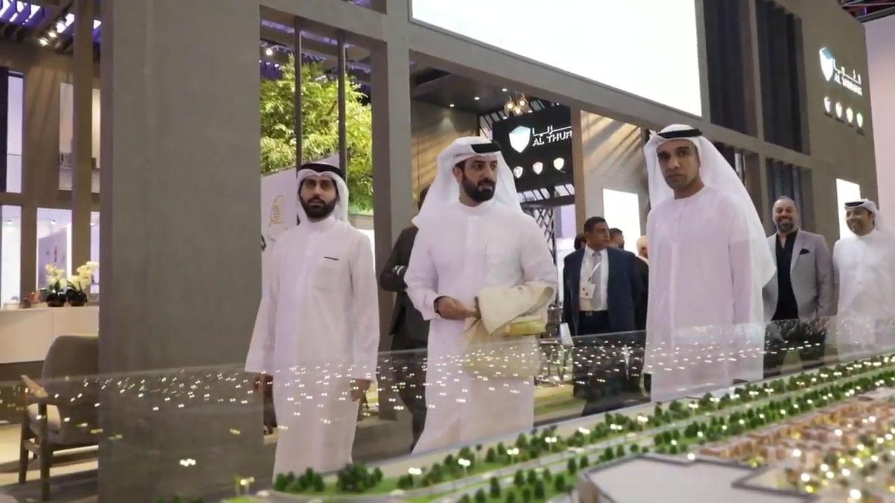 Sheikh sultan bin ahmad al qasimi visiting during the exhibition